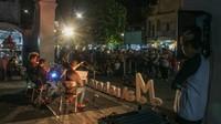 Banyaknya penonton yang menyaksikan penampilan grub musik Mahika String Kwarted dalam acara Maliobor Day