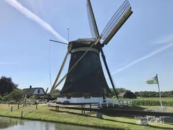 Bersepeda Menuju Kincir Angin Tradisional dan Kastil di Utrecht