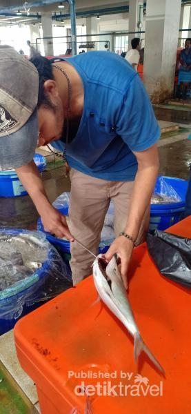Suasana di Pasar Ikan