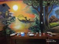 Lukisan perahu nelayan dan rembulan malam.