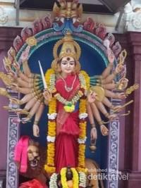 Salah satu patung suci dewa dalam agama Hindu