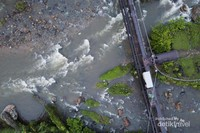 Jembatan Pooley 30 maret 1985 Lebong Tandai dari Drone