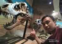 Dinosaurus pemakan daging (karnivora)