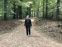 Sunyi, segar dan sepinya hutan membuat kami sedikit terbebas dari aturan jaga jarak 1,5 m bila keluar rumah.
