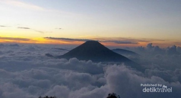 view Gunung Cikuray di Garut, Jabar