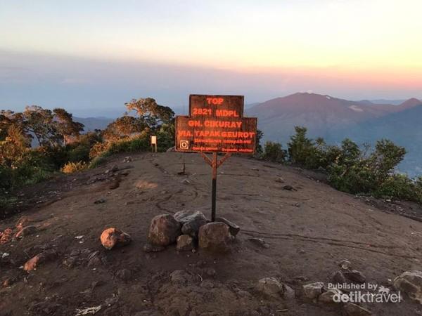 Ouncak Gunung Cikuray