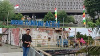 Monumen PLTD Apung di Desa Punge, Blang Cut, Kota Banda Aceh dan Museum Tsunami Aceh yang berada di Jl. Sultan Iskandar Muda, Sukaramai, Kecamatan Baiturrahman Kota Banda Aceh