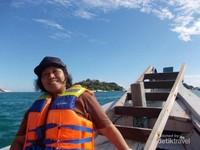 Siap berlayar menuju seberang dari Tanjung Kelayang.