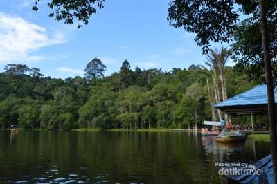 Danau Indah Nan Syahdu di Kutai Barat