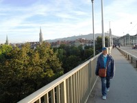 Nyaman berjalan-jalan sore di Kota Tua Bern
