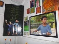 Foto-foto yang terpajang di dinding Museum Kata.