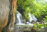 Air terjun terlihat sepi di desa Talang Rendah