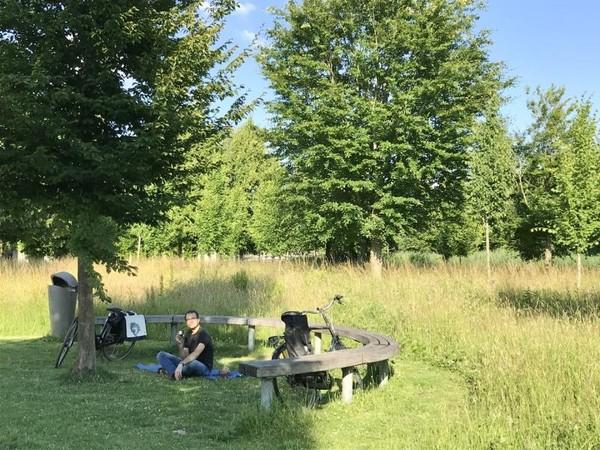 Bagian lain taman Maxima lebih sepi dan cocok untuk bersantai