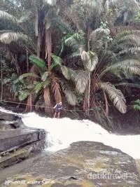 Uji Nyali sambil menikmati keindahan alam yang masih alami