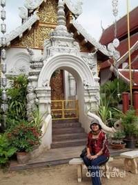 Cantiknya kuil  mungil ini.