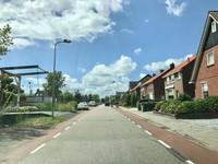Suasana desa di Belanda biasa sepi dan bersih.