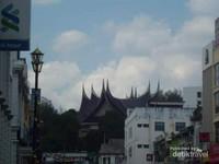 Bangunan di Seremban yang mirip dengan bangunan-bangunan di Sumatera Barat.