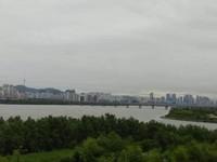 Indahnya kota Seoul dari kejauhan.