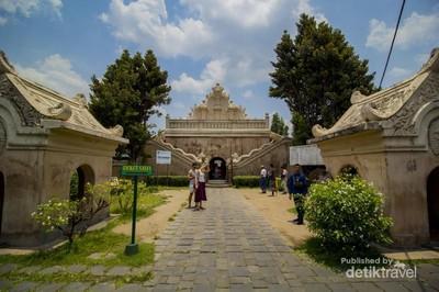 Pesona Taman Sari yang Tak Pernah Padam