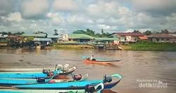 Potret Suasana Tepian Sungai Dalat Sarawak Malaysia