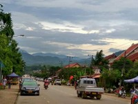 Luang Prabang menyambut senja.
