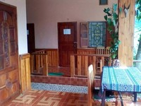 Walalupun sekelas guesthouse dengan tarif sekitar 200 ribu rupiah per malam, namun cukup nyaman bagi pejalan untuk beristirahat di kota terpencil.
