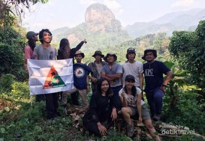 Di Karawang Bisa Lihat Hewan Langka Indonesia