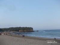 Sore yang Indah di Pantai Tambak Rejo Blitar