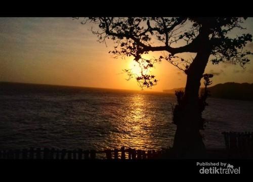 Suatu Senja di Pantai Kesirat