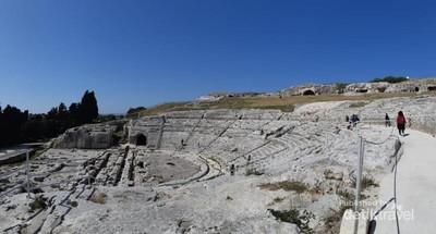 Siracusa, Teater Yunani yang Dramatis