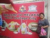 Gambar aneka makanan Melaka yang layak dicoba