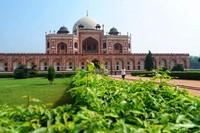Humayuns Tomb, bangunan makam yang terletak di lahan seluas 27 hektar