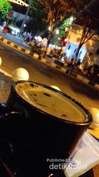 Secangkir kopi nikmat di suatu sudut Malioboro