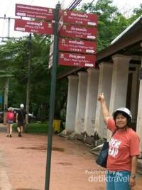 Titik petunjuk arah tempat-tempat menarik di Luang Prabang