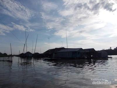 Menyusuri Sungai Bassac di Chao Doc Vietnam
