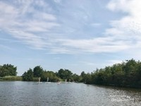 Danau ini terletak diantara Utrecht dan Amsterdam