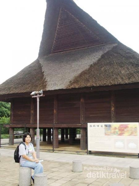Potret di rumah adat Musium Sejarah Osaka
