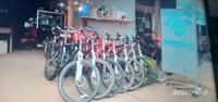Sepeda-sepeda yang dapat kita sewa untuk mengelilingi Luang Namtha