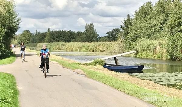 Jalanan perdesaan yang menjadi rute tour sepeda