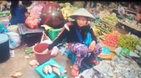 Penjual ikan di pasar Pakse