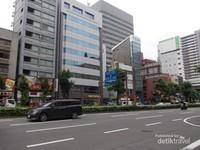 Gedung-gedung tinggi di kawasan Tanimachi