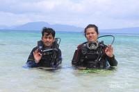Aktifitas scuba diving di Pulau Hari