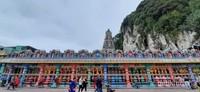 Kuil cantik sebelah patung Dewa Murugan