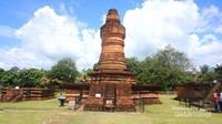Salah satu stupa dari Candi