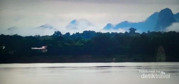 Thakhek dan Sungai Mekong.