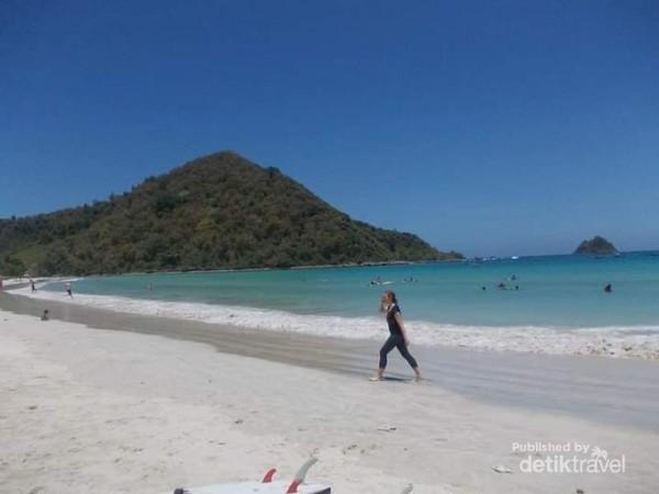 Pesona Pantai Selong Belanak Lombok