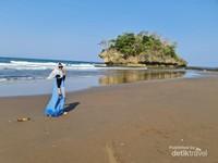 Pantai Madasari Pangandaran yang begitu luas