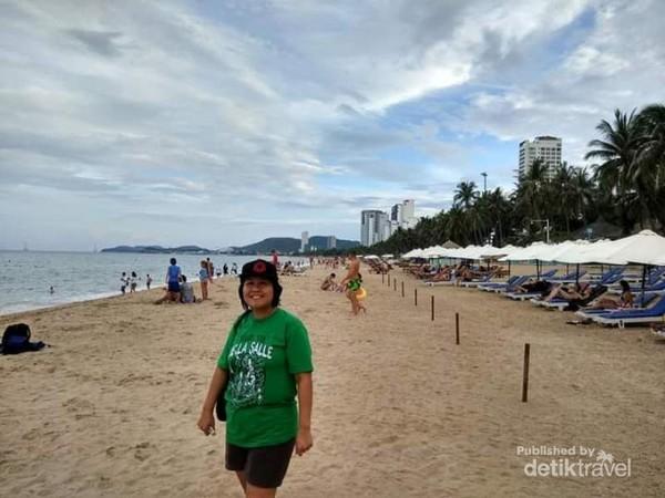 Mengabadikan momen di pantai Tran Phu