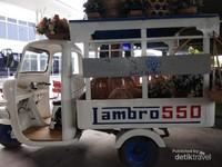 Jambro 550 sebagai alat angkut.