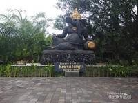 Masuk kawasan desa budaya Kertalangu Denpasar.